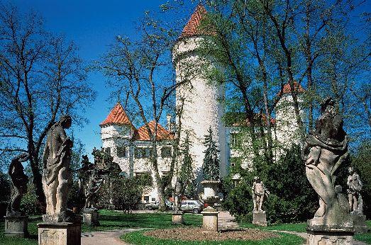 Средневековый замок Конопиште по сей день величественно прекрасен