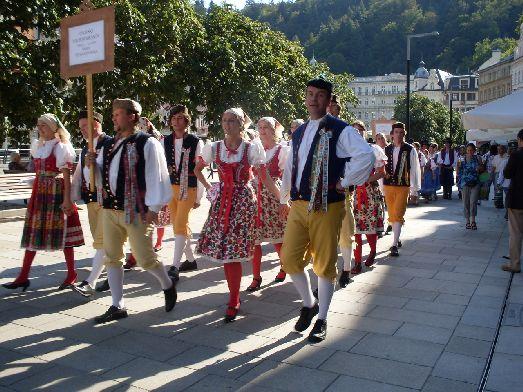 А вот как одевались чехи в давние времена!