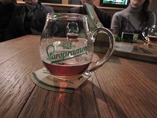 Старопрамен - вкуснейшее светлое пиво, производимое непосредственно в Праге