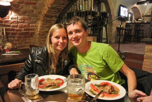 Замерзли? Тогда Вам в один из уютных ресторанов отведать 'чешский хлеб' и вкуснейшие традиционные блюда