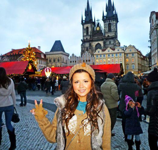 Несмотря на то, что Прага в декабре пользуется большим спросом среди туристов, ощущения переполненности города не возникает.. по крайней мере у меня )