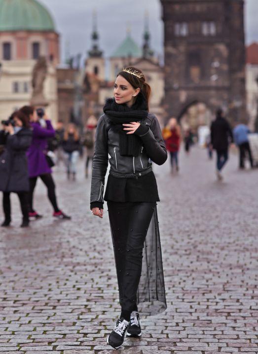 А вот как не нужно одеваться в Праге в декабре )