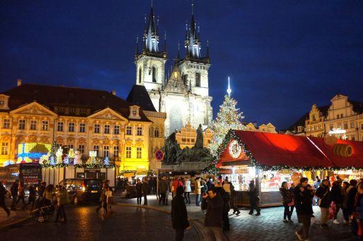 Прага на Рождество в декабре - украшенный город, рождественские городки и хорошее настроение!