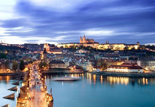 Осеннее небо Праги часто затягивается тучами