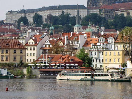В начале сентября в Праге ещё стоит бабье лето